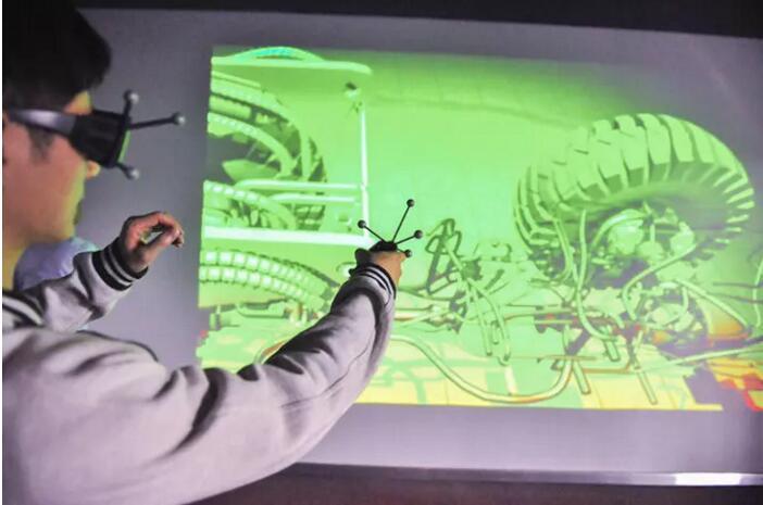 老师授课全球学子,真正的VR教学来了!