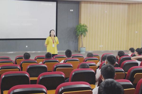 配图3 云和betway娱乐PHP培训班和Python培训班学员毕业.jpg